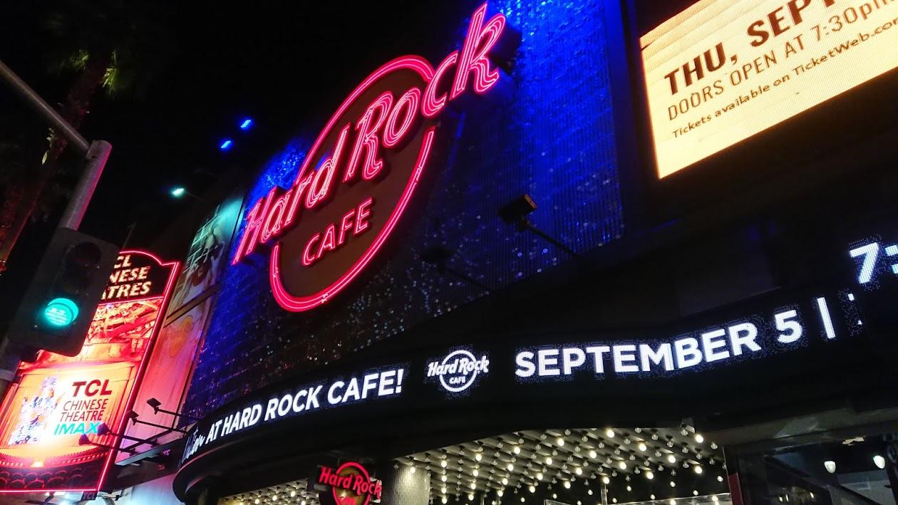 Hard Rock Cafe@ハリウッド!アメリカ料理と音楽を満喫♪