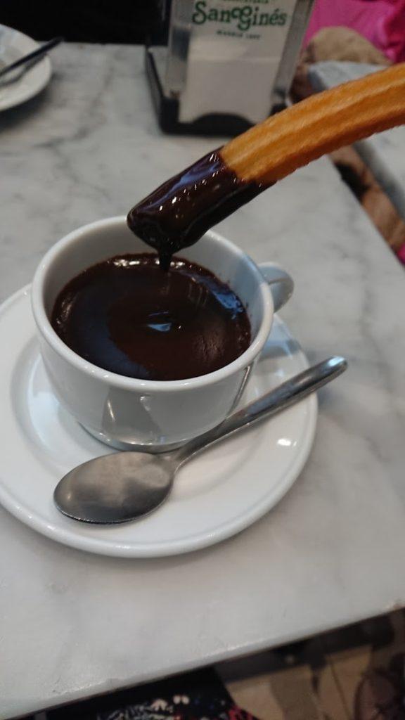 チュロスとチョコレート