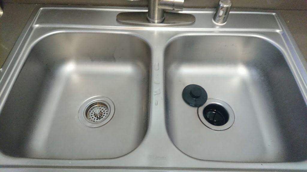 掃除後のキッチンシンク